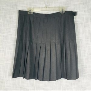 Land's End pleated knee-length gray skirt, size 14